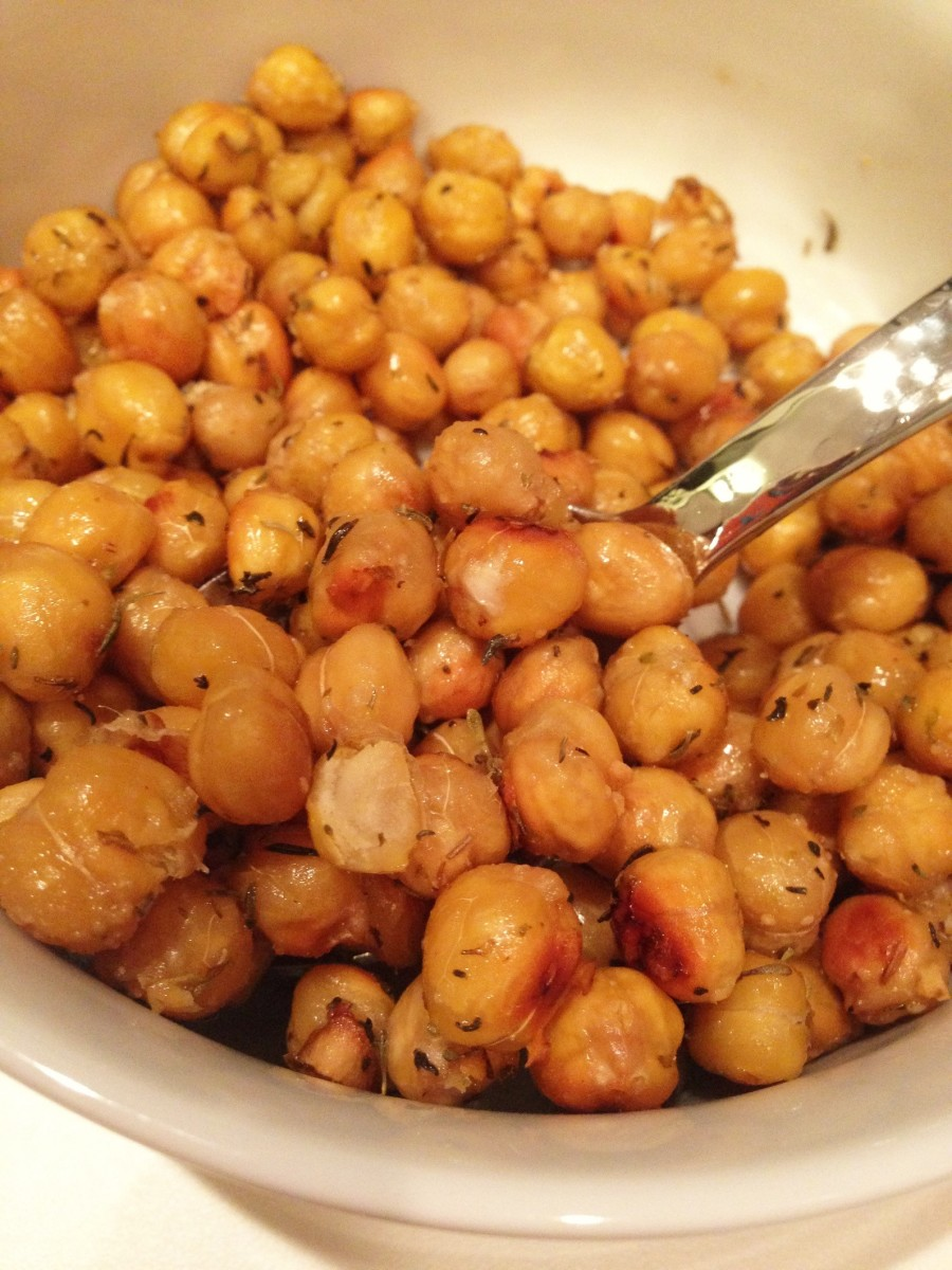 roasted chickpeas_All you snackers, how to snack smart and choose good snacks.