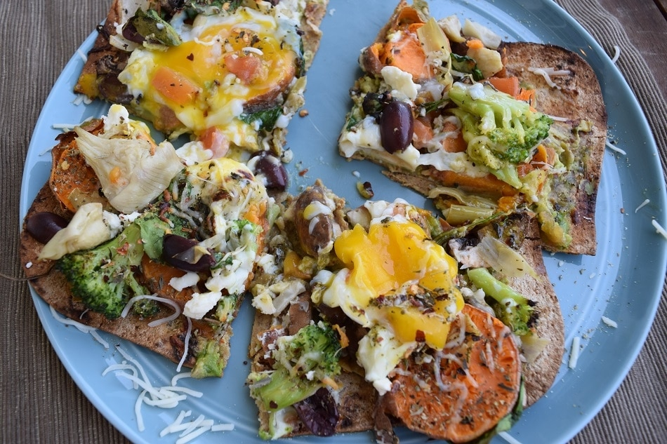 breakfast pizza_slices