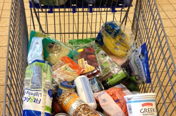 A Peek Into a Dietitian's Grocery Cart (+ ALDI giveaway!)