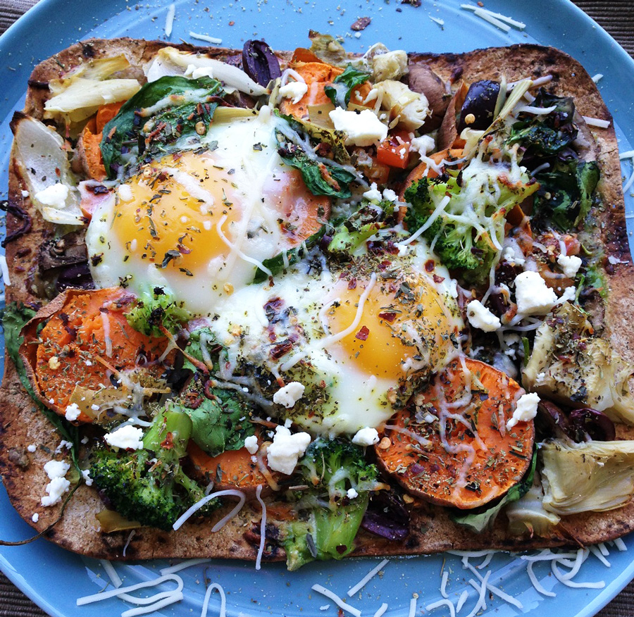 breakfast, egg pizza, veggies, healthy breakfast, brunch