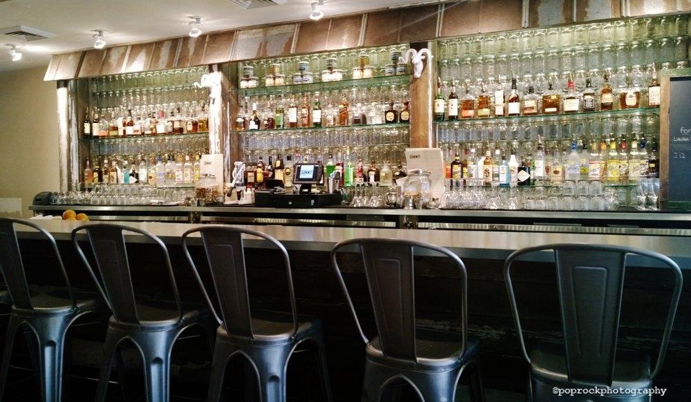 summit room bar, restaurant review