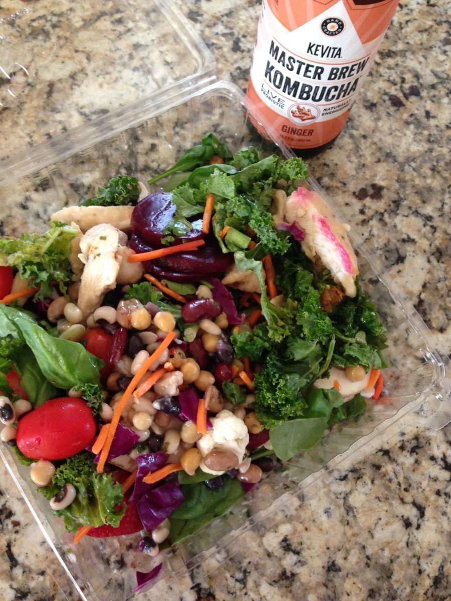 Salad bar, healthy habits while moving