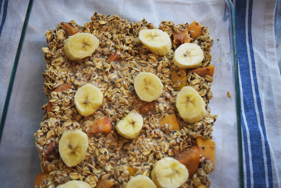 baked oatmeal, breakfast bake, banana peach oatmeal