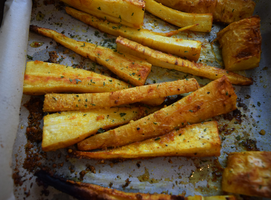 Roasted Turmeric Parsnip Fries, parsnip fries