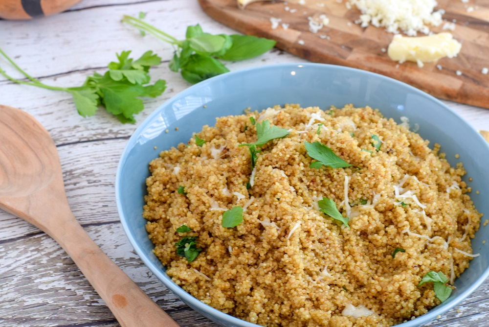 Lemon and Herb Cheesy Quinoa || Easy Dinner || Quinoa