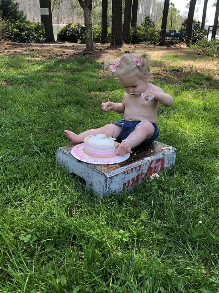 baby cake smash at a park
