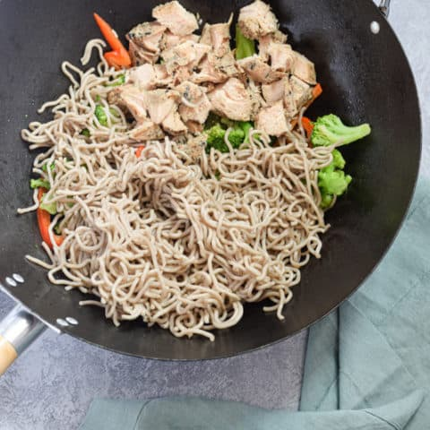 Stir Fry Egg Noodles with Chicken in Wok