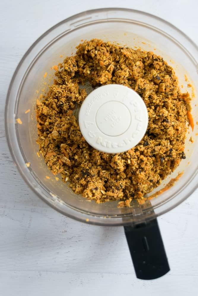 Blended ingredients for carrot cake energy bites | Bucket List Tummy