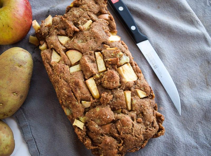Apple cinnamon bread on gray napkin | Bucket List Tummy